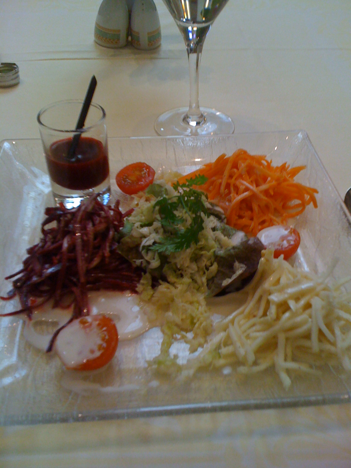 Salade de Julienne et jus crus