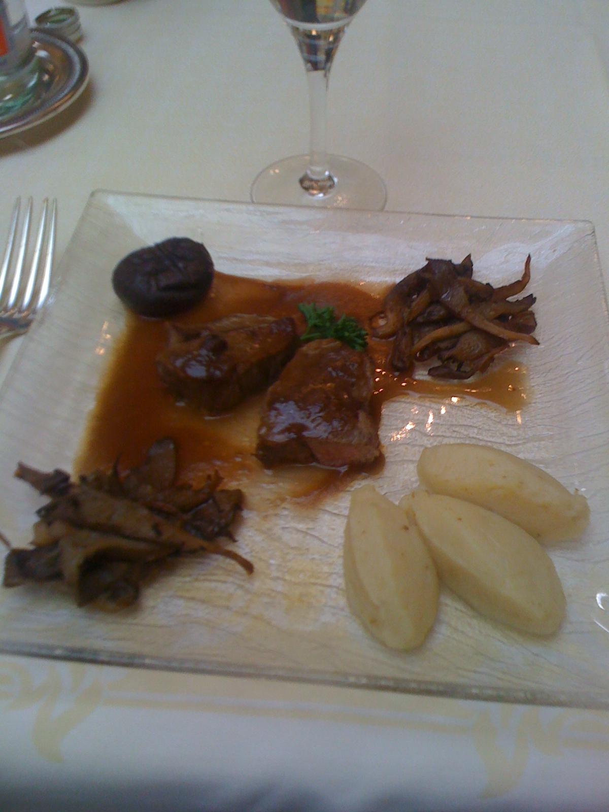 Filet mignon de veau, champignon et purée de célerie