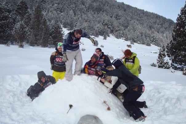 Notre igloo (juste avant que les garçons n'installent une baie vitrée)